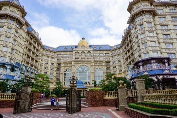 disneyland-resort-tokyo-japan-thebroadlife-travel-wanderlust