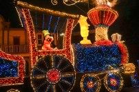 float-parade-goofy-orange-light-disneyland-tokyo-japan-thebroadlife-travel-wander-asia