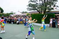 parade-dance-disneyland-tokyo-japan-thebroadlife-travel-wanderlust-asia