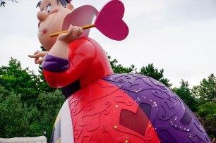 parade-queenofhearts-disneyland-thebroadlife-travel-wanderlust-tokyo-japan-asia