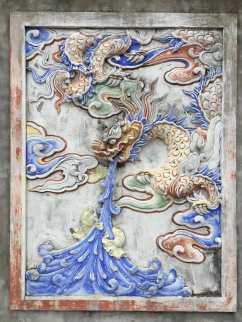 a pottery painting found at the temple at Bat Trang village