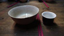 how Red Dao people put the bowls and chopsticks on the table at the wedding following their tradition